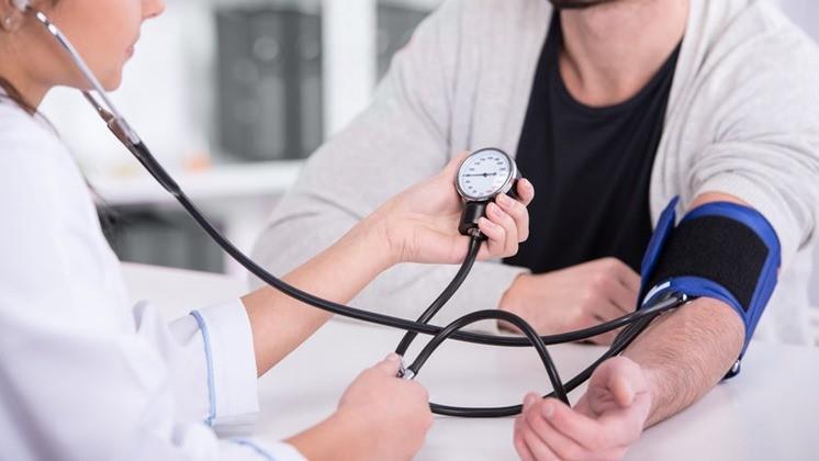 Mennyi idő alatt lehet csökkenteni a magas vérnyomást? - EgészségKalauz