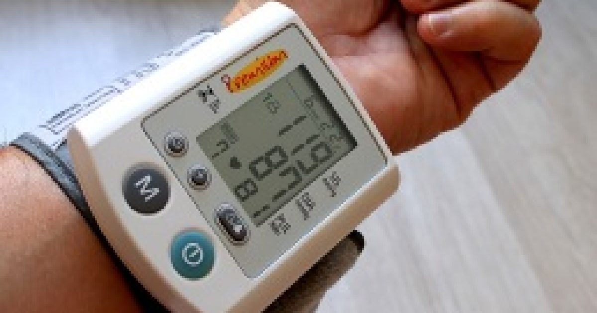 migrén vagy magas vérnyomás)