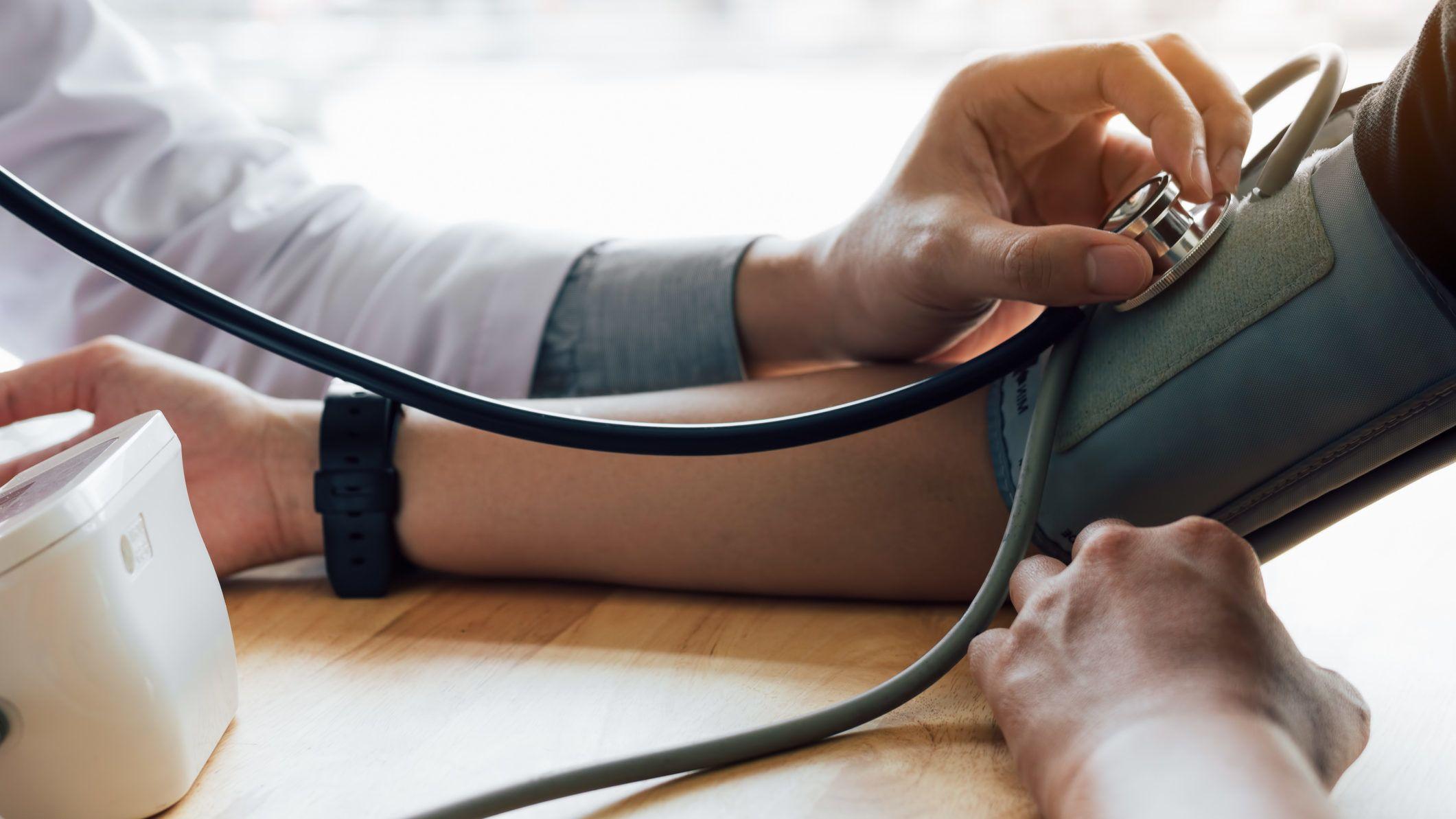 magas vérnyomás regisztrálva aritmia szindróma magas vérnyomás