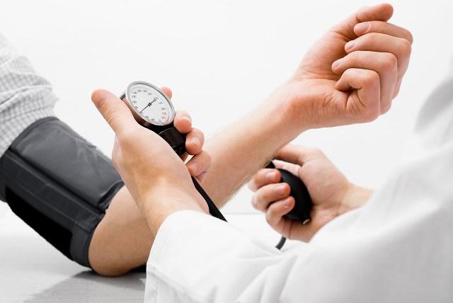 mind a magas vérnyomás szembetegségéről