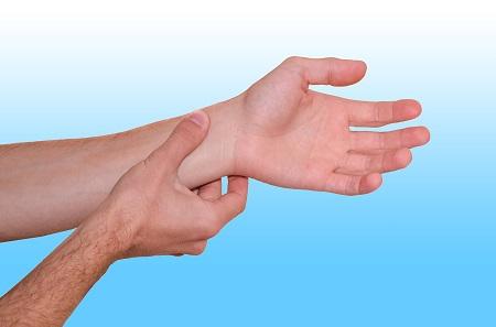 magas vérnyomás esetén a kéz elzsibbad)