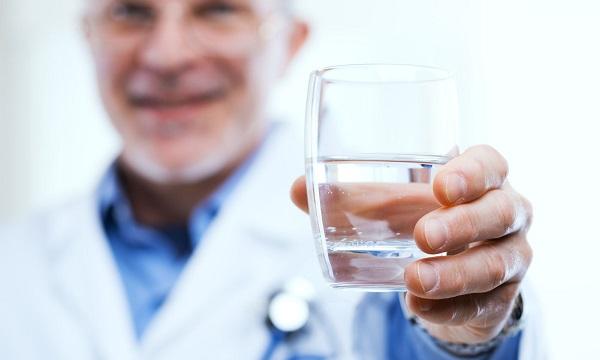 egy pohár vizet éhgyomorra magas vérnyomás esetén)