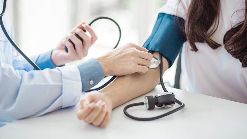 magas vérnyomás görcsös szindrómával mi a szem hipertónia