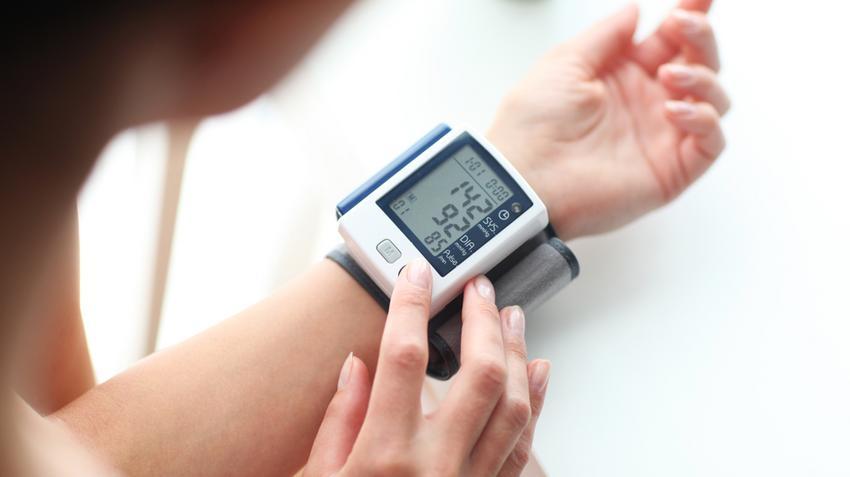 a magas vérnyomás által beszűkült erek