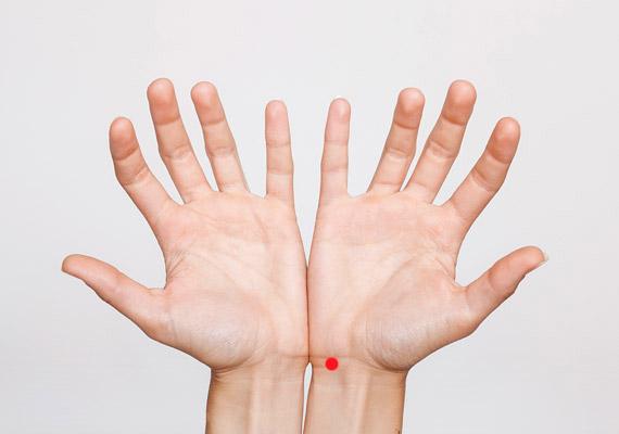akupresszúrás arcmasszázs magas vérnyomás esetén)