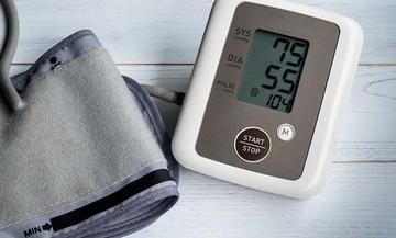 magas vérnyomásban fekteti a fület