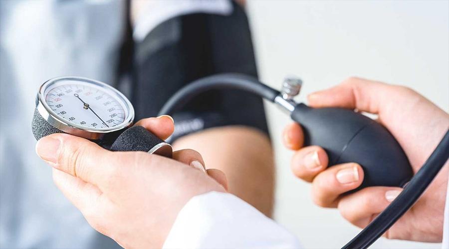 oris magas vérnyomás-kezelés)
