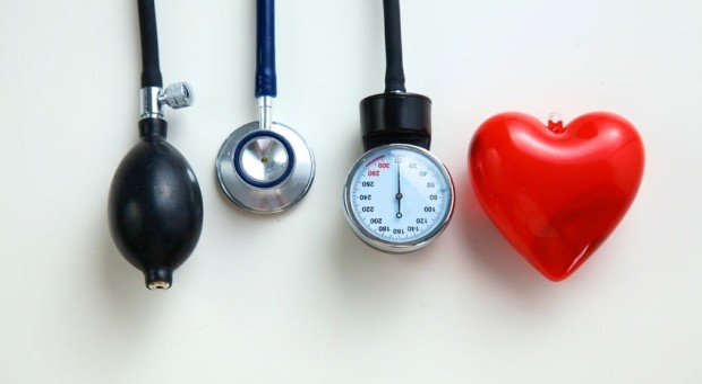 Magas vérnyomás, alacsony pulzus - betegséget jelez?