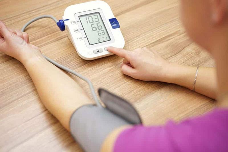 mind a nyomásról és a magas vérnyomásról