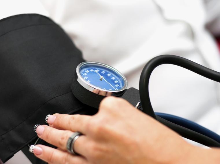 reggel magas vérnyomás esetén)