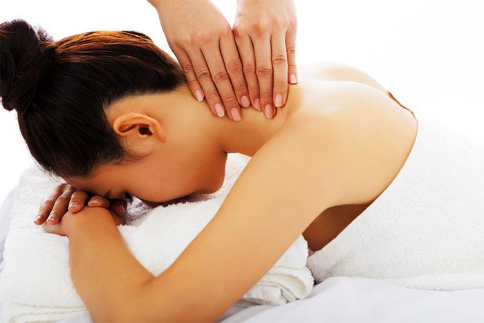 Hogyan kell masszírozni a hátfájást