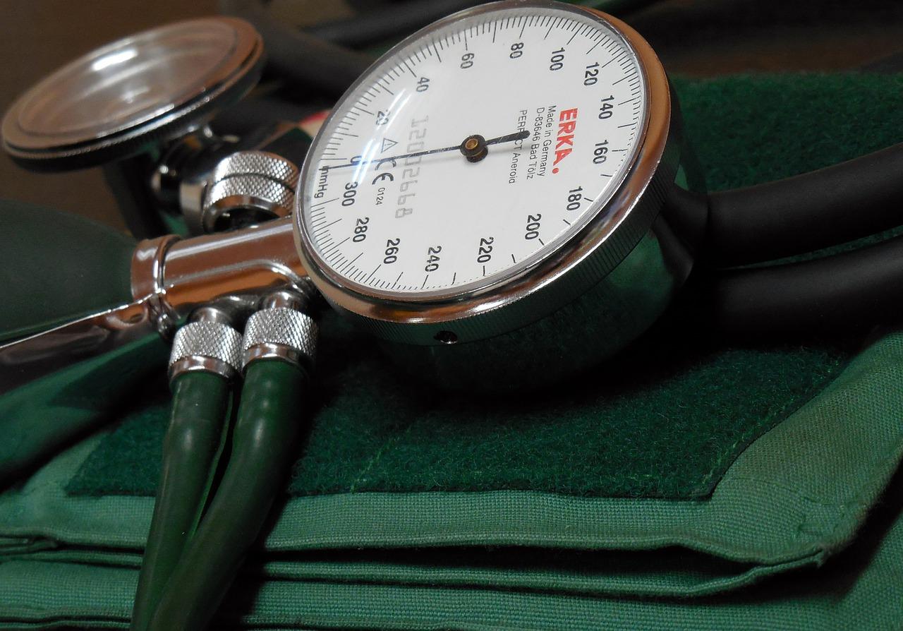 a magas vérnyomás enyhítése egyoldalú magas vérnyomás